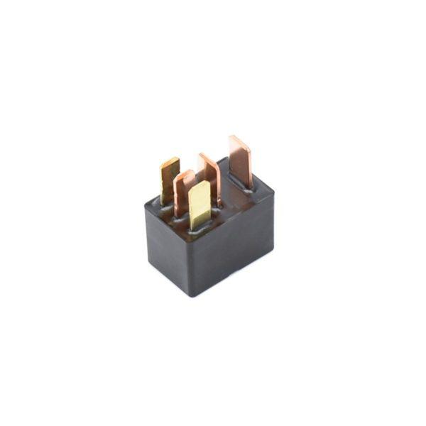 Relais voor Iseki: TG6400 TG6675 TM32 4490 Betreft origineel Iseki onderdeel! Origineel onderdeel nummer: 1800-652-400-00 180065840000